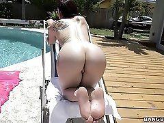 Mandy Has An Ass That Tastes...