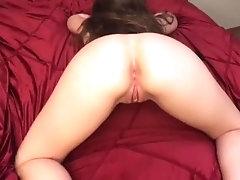 help me insert my buttplug!...