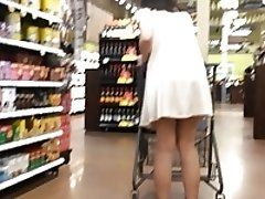 18yo Jiggly Booty in Dress Jumps Up