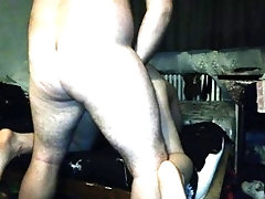 Ride on the woman to fuck her