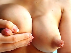 Milk nipples squeezing