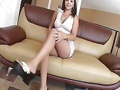 hot brunette get her ass poked...