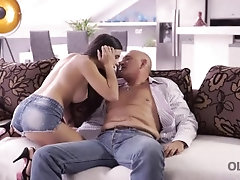 OLD4K. Mature guy able to...