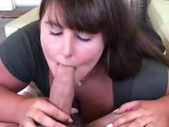 MY FIRST EVER BLOWJOB