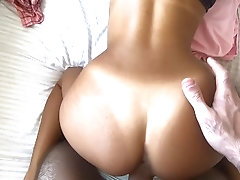 Quick morning fuck with petite...