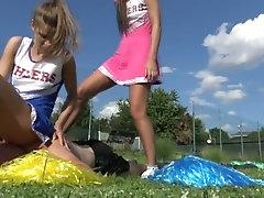 Cheerleader facesitting!