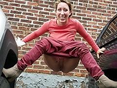 Babe peeing freely in Boston