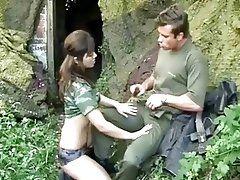 Military Girls - Antreten zum...