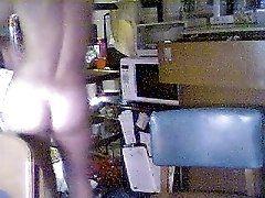 Webcam - Teen Dancing Nud