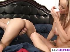 Lesbian cougar loves her...