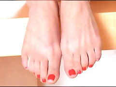 SUMMER DAY {FEET-TRIBUTE}...