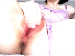 SKINNY GIRL PLAYS WITH TIGHT...