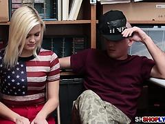 Blonde gf Madison gets a hot sex...